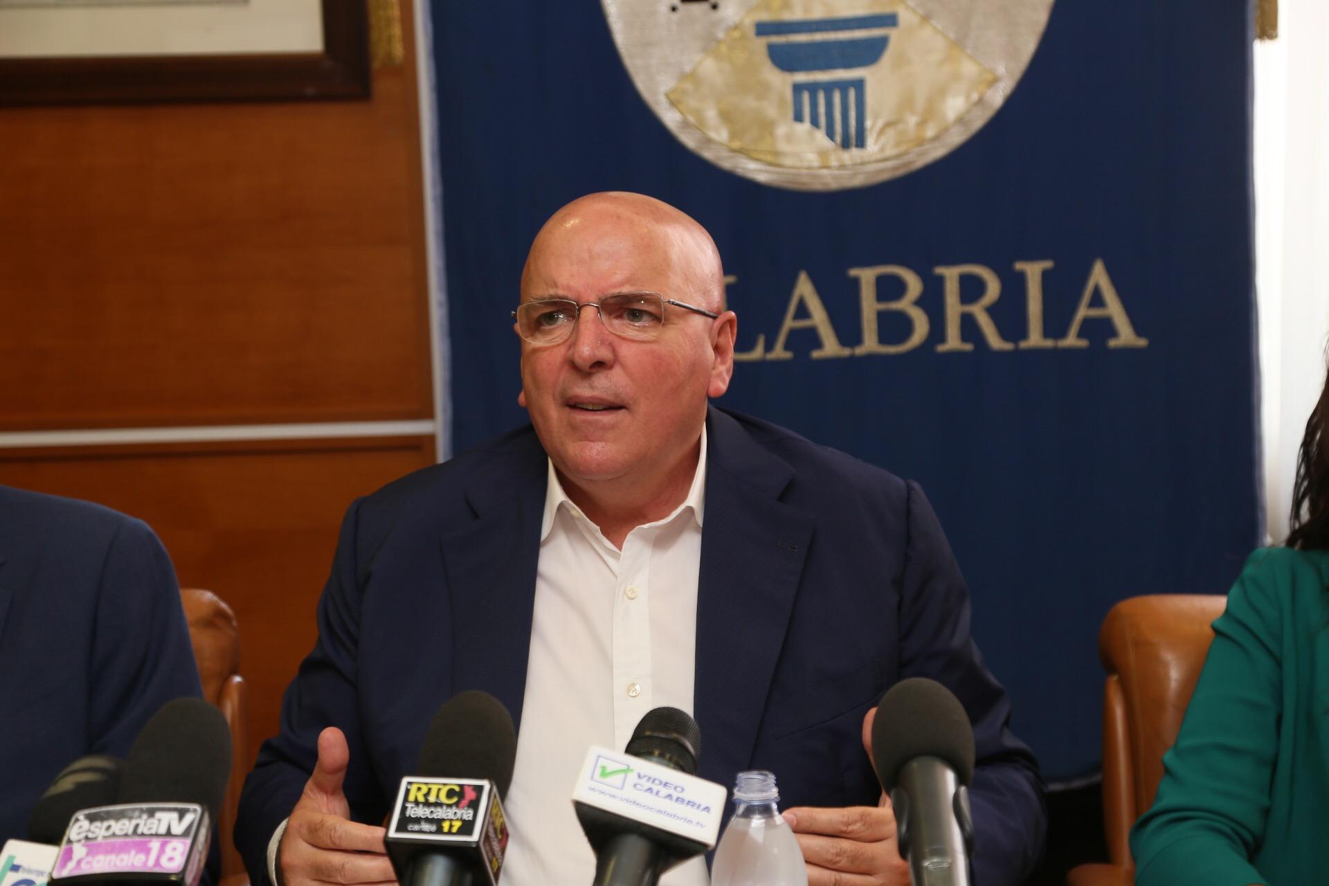 Il Presidente Oliverio sul sistema aeroportuale calabrese