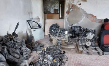 Guardia di Finanza: sequestrate parti di autovetture rubate