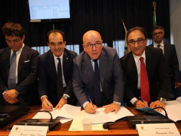 Firma atto sistema metropolitano Catanzaro ,Oliverio: