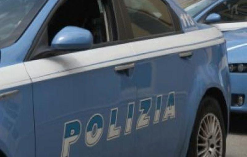 Calendario Uomini 2020.Paolo Pellegrin Firma Il Calendario Polizia Di Stato 2020